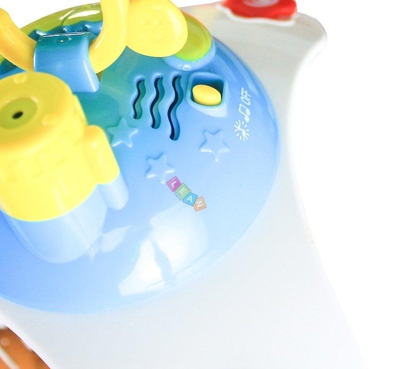 musik mobile giraffe mit deckenprojektor und fernbedienung 4 rasseln farben spielzeug f r baby. Black Bedroom Furniture Sets. Home Design Ideas