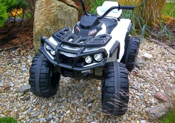 Quad BMD0906 White - Electric Ride On Vehicle 2,4G