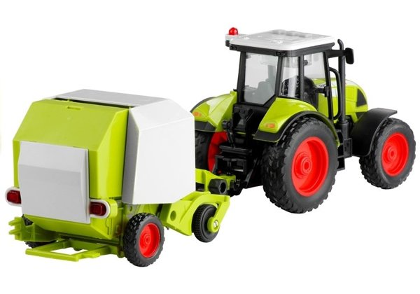 Tractor with Round Baler for Baling Noise making 37,5 cm